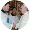 La biografía de la Hna. Clare en manos de los Papas